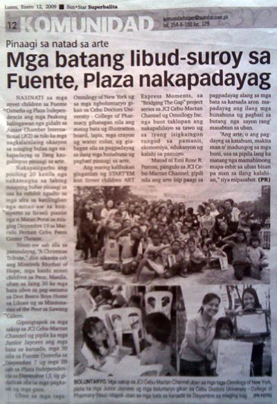 """""""Pinaagi sa natad sa arte: Mga batang libud-surouy sa Fuente, Plaza nakapadayag."""" Sun*Star Super Balita. Year XV, No. 78. Cebu City. 12 January 2009: Komunidad, 12."""